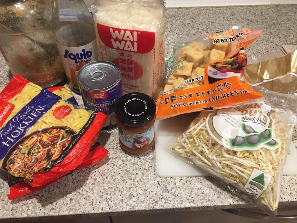 ingredients for simple laksa